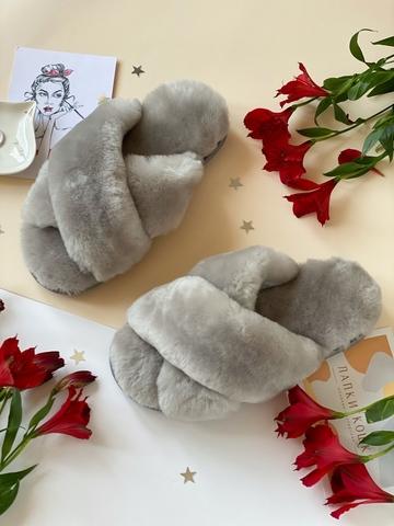 Меховые тапочки дымчатые с перекрестными шлейками (из наличия)