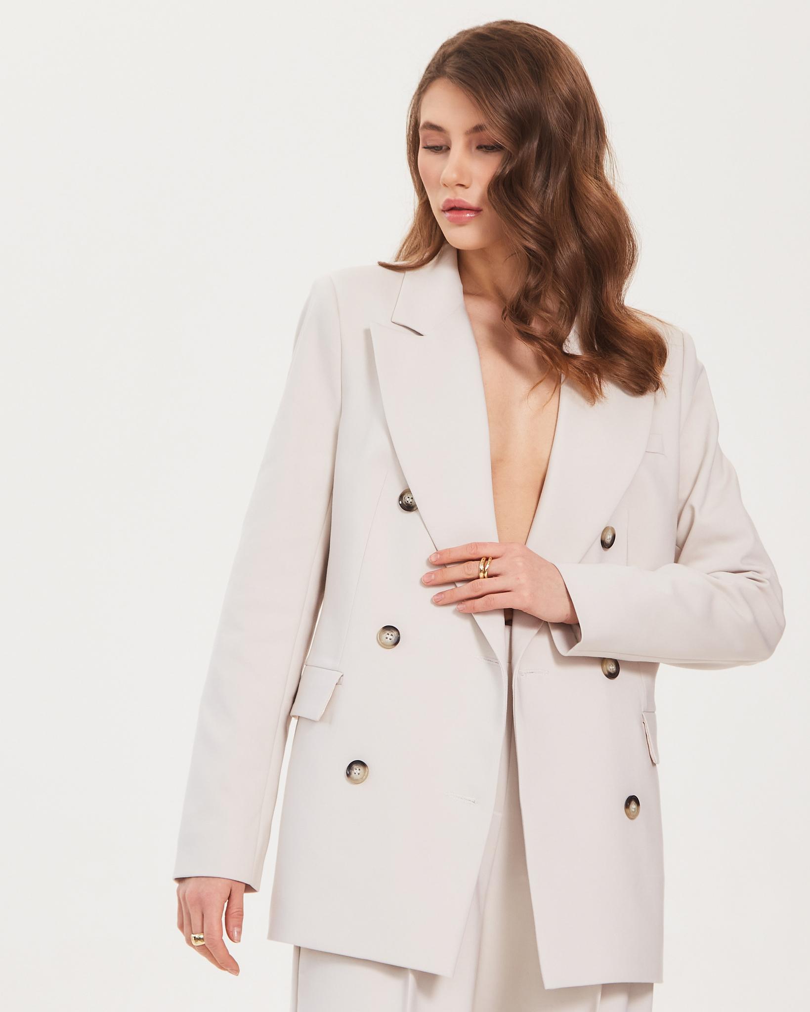 Пиджак двубортный в оттенке