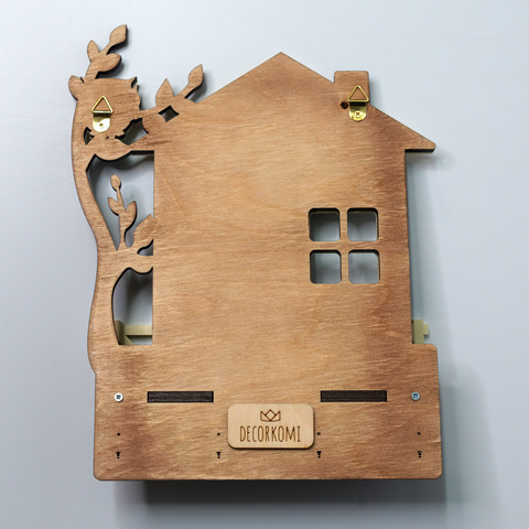 Ключница-полка настенная ДекорКоми из дерева в прихожую