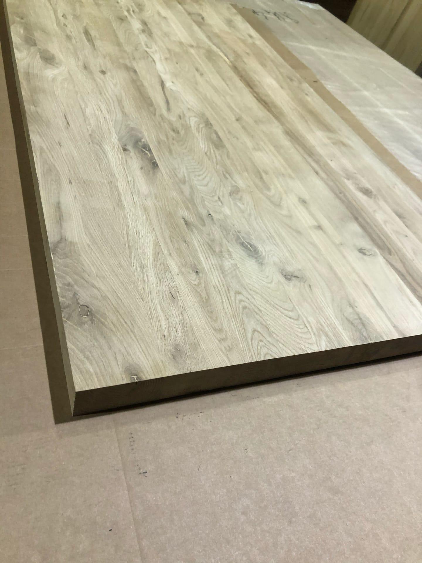 Мебельный щит из дуба (цельноламельный, с сучком) 20 мм