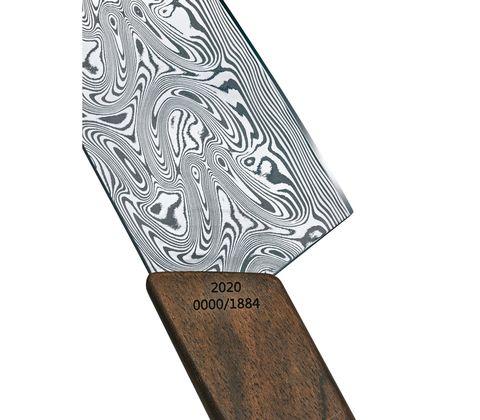 Нож Victorinox сантоку, лезвие 17 см прямое, коричневый (подар. упак.)