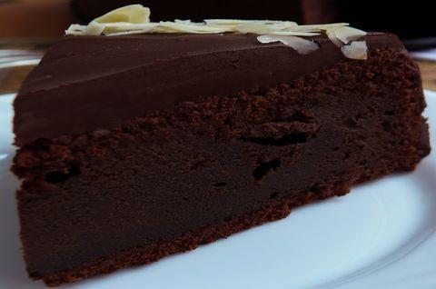 Шоколадный торт без глютена и лактозы на заказ, еще больше темного шоколада