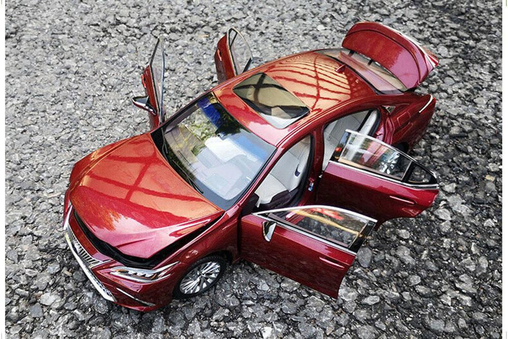 Коллекционная модель LEXUS ES300H 2019 DARK RED