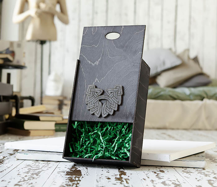 BOX230-1 Фирменная подарочная коробка с логотипом (18*26*7,5 см) фото 06