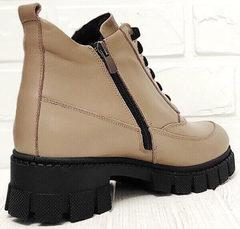 Женские кожаные осенние ботинки на каблуке Yudi B-20 082 Beige.