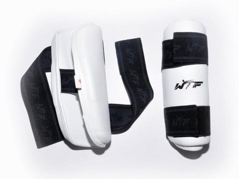 Щитки для ног для тхеквондистов. Размер S. ZTT-019-T