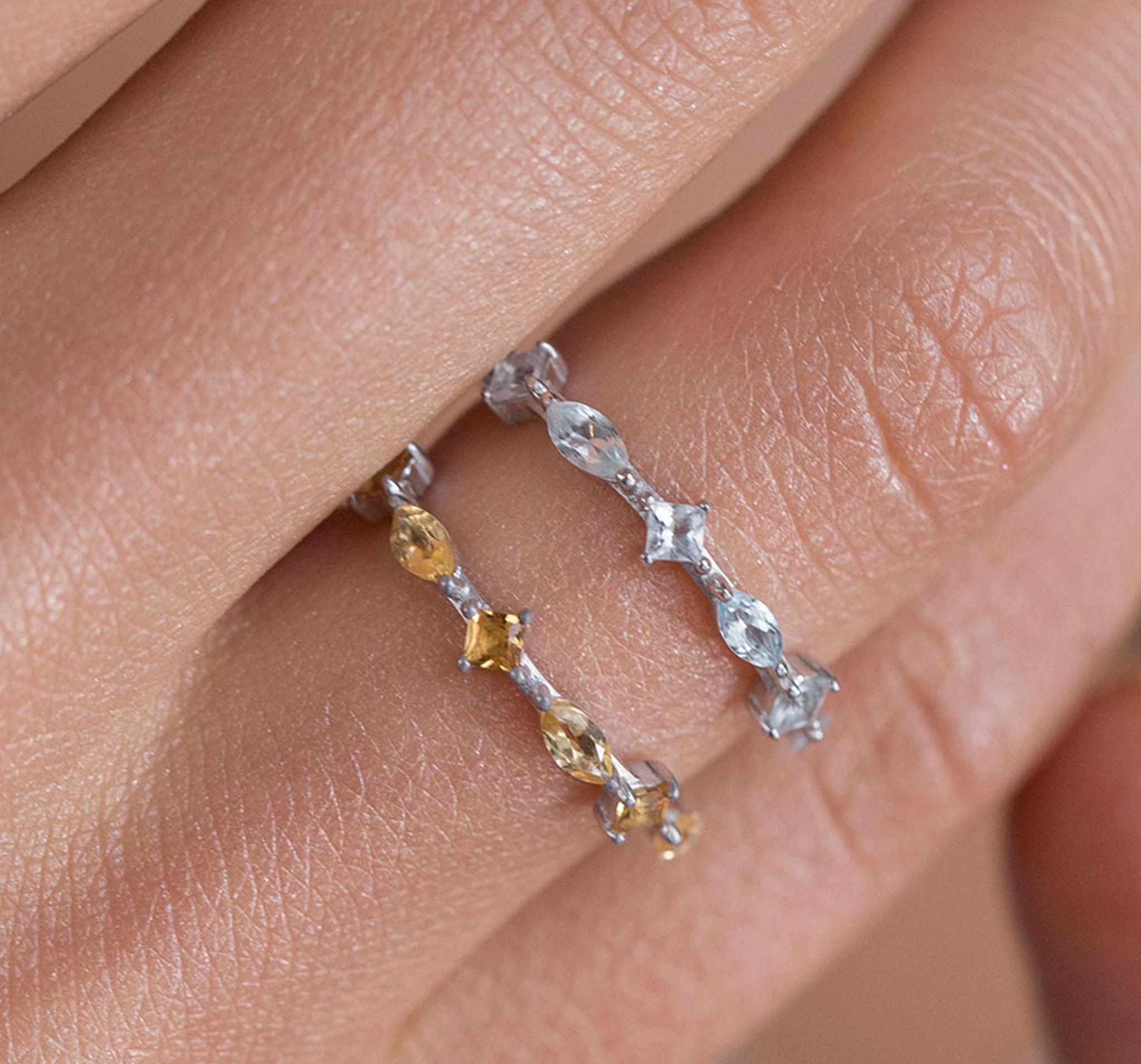 Кружевное кольцо с голубыми топазами от SECRETS
