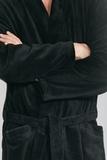Черный махровый халат с велюром Taubert