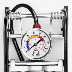 Насос высокого давления с манометром