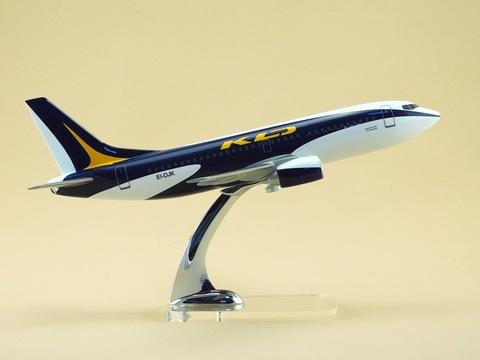Модель самолета Boeing 737-300 (М1:100, KD Avia)