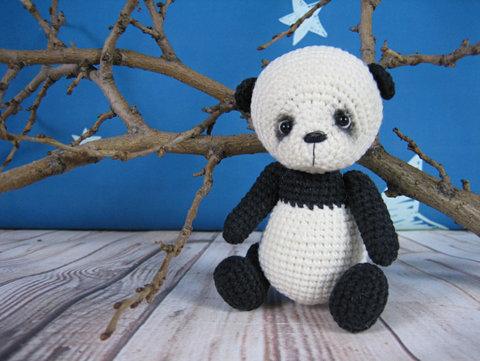 В'язана крихітка - панда