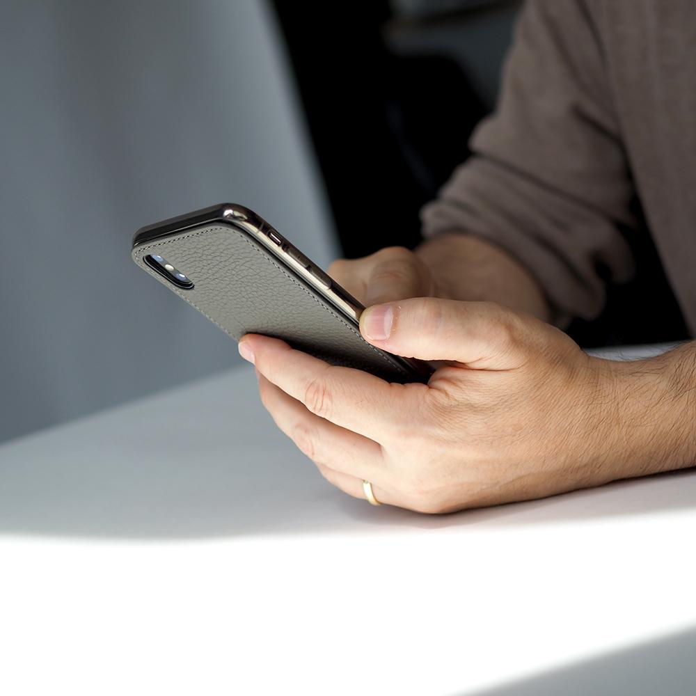 Чехол-накладка для iPhone X/XS из натуральной кожи теленка, серого цвета