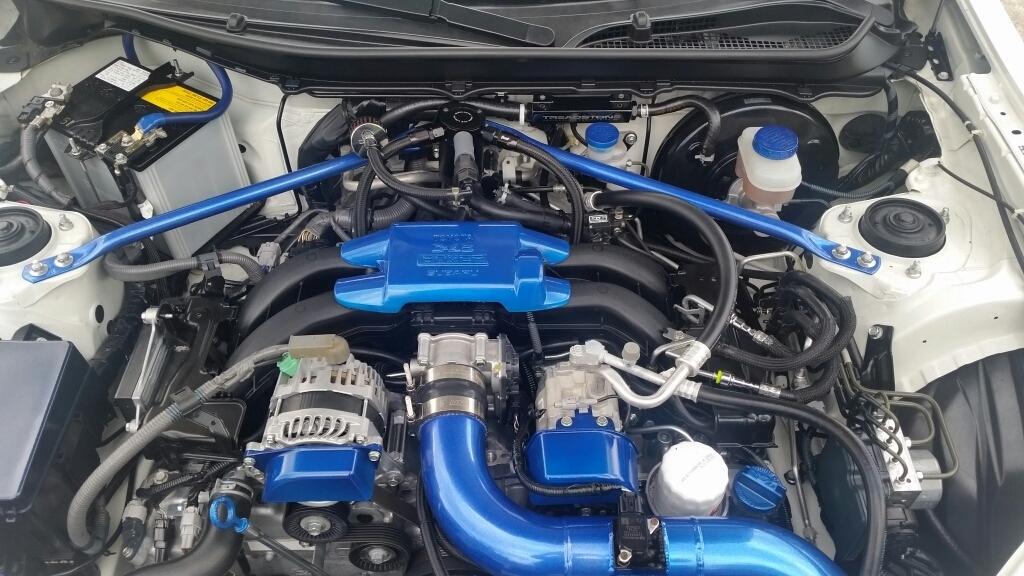 Установленный маслоуловитель на Subaru BRZ Mishimoto