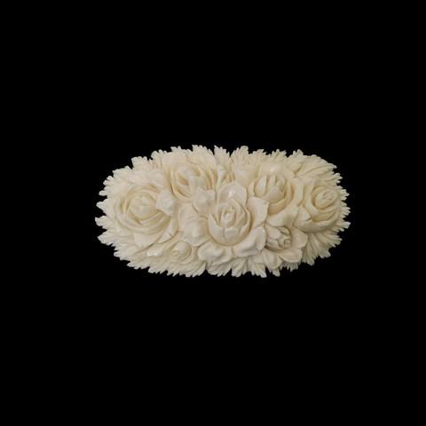 Брошь из бивня мамонта «Розы»