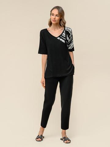 Женский джемпер черного цвета с контрастным принтом из шелка и вискозы - фото 4