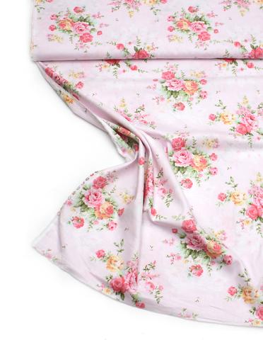 Цветы нежно-розовый фон