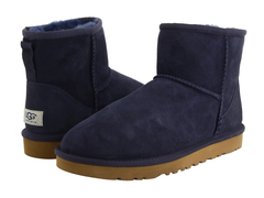 /collection/zhenskie-uggi/product/ugg-classic-mini-navy-2