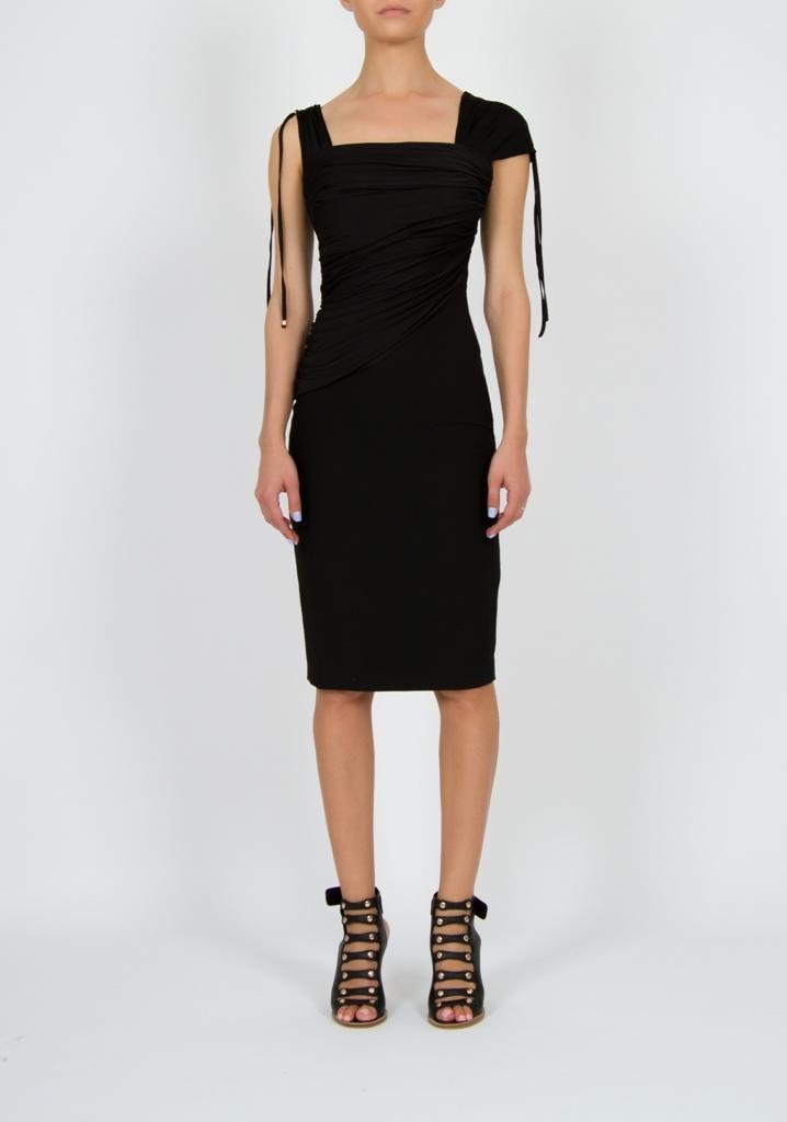 Платье черное по фигуре с драпировкой