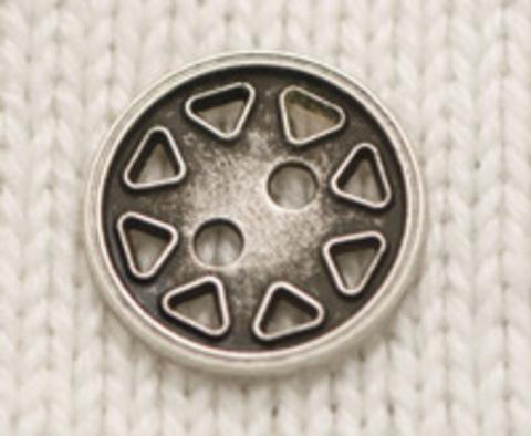 Пуговица плоская, стального цвета, с декором в виде прорезных треугольников по периметру, 15 мм