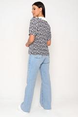 <p>Очаровательная блузка с ультрамодным воротником. Перед-планка с пуговицами, рукав до логтя на манжете. Хотите быть милой &nbsp;-этот образ прям в точку.&nbsp;</p>