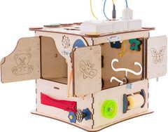 Кубик Счастливый ребёнок со светом и разноцветными детальками.