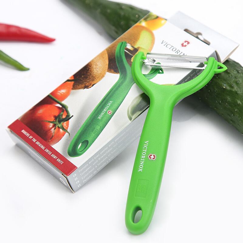 Овощечистка Victorinox Tomato and Kiwi Peeler (7.6079.4) цвет зелёный | Wenger-Victorinox.Ru