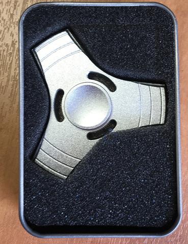 Спиннер металлический классической формы цвет серебро trngl_001_silver