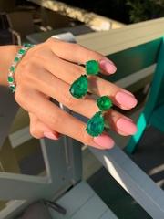 cergi-iz-serebra-s-zelenym-kaplevidnym-kvarcem