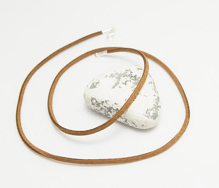 PL284-2 Коричневый шнур из натуральной замши (55 см)