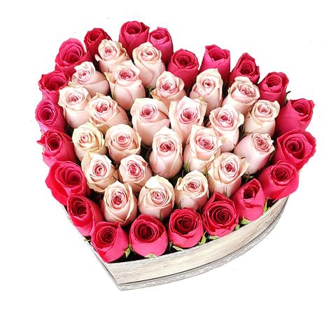 Сердце в коробке из розовых и малиновых роз 1