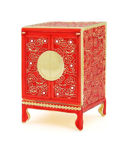 Шкаф богатства красный