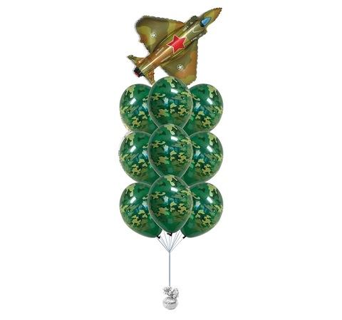 Фонтан воздушных шаров с гелием с самолетом-истребителем