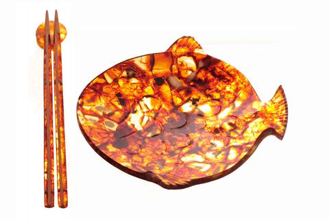 Янтарная тарелка «Рыбка» с палочками