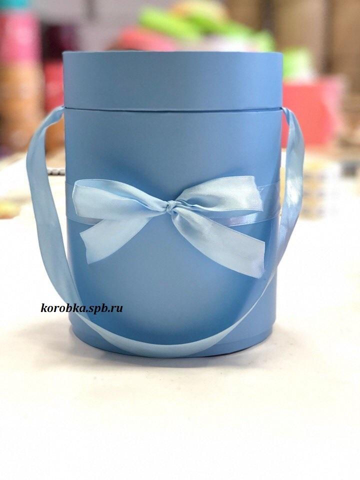 Шляпная коробка D 16 см .Цвет: голубой . Розница 400 рублей.