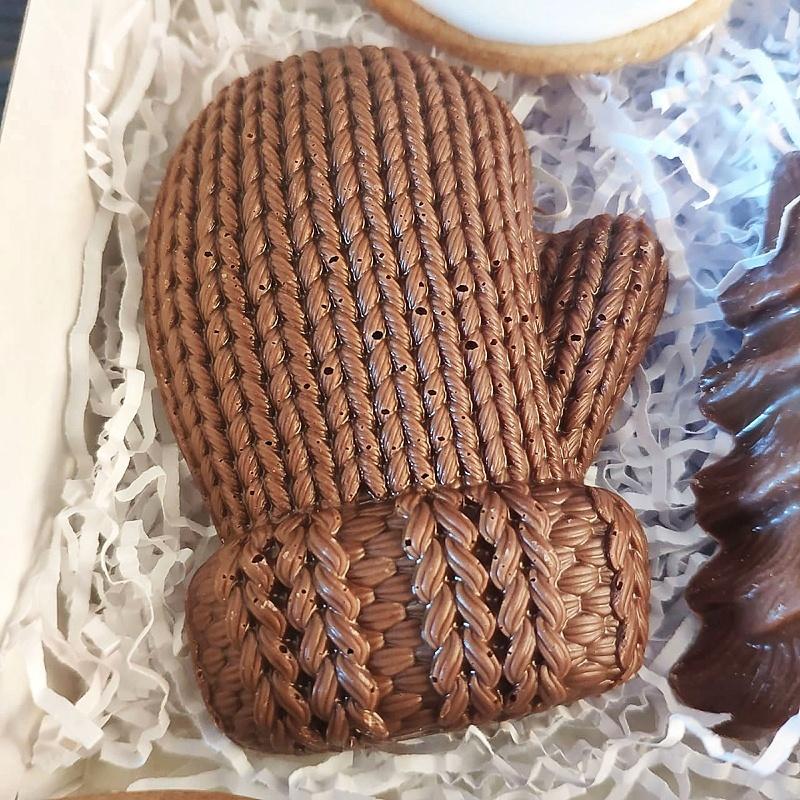 Фотография Шоколад молочный фигурный «Рукавичка» / 45 гр купить в магазине Афлора
