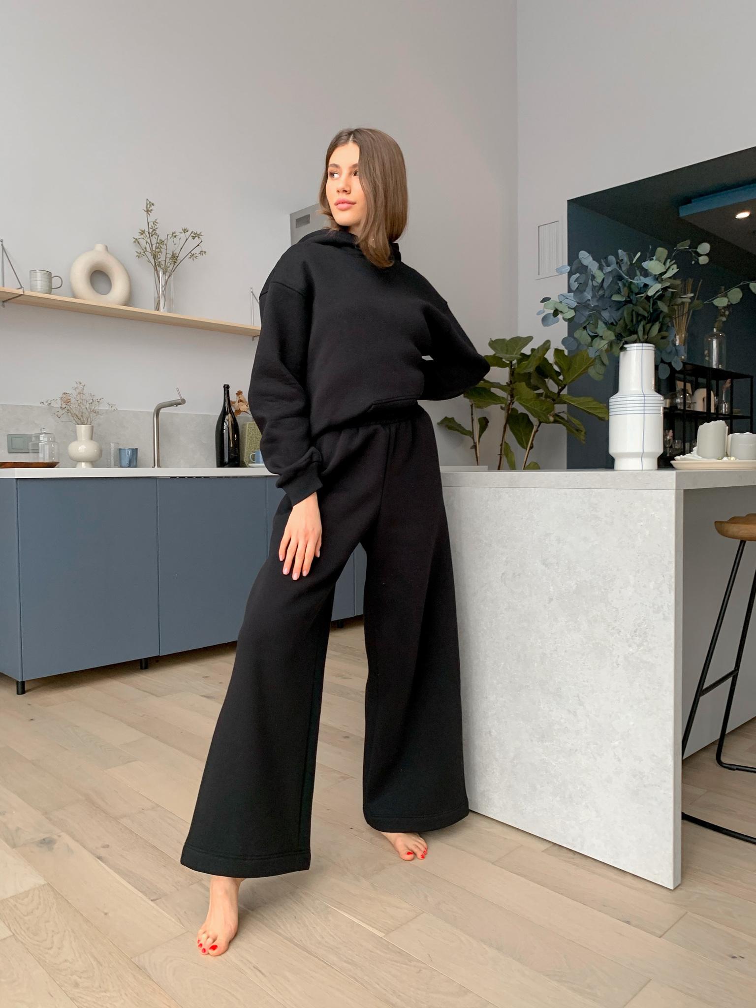 Костюм теплый из футера с широкими брюками (черный)