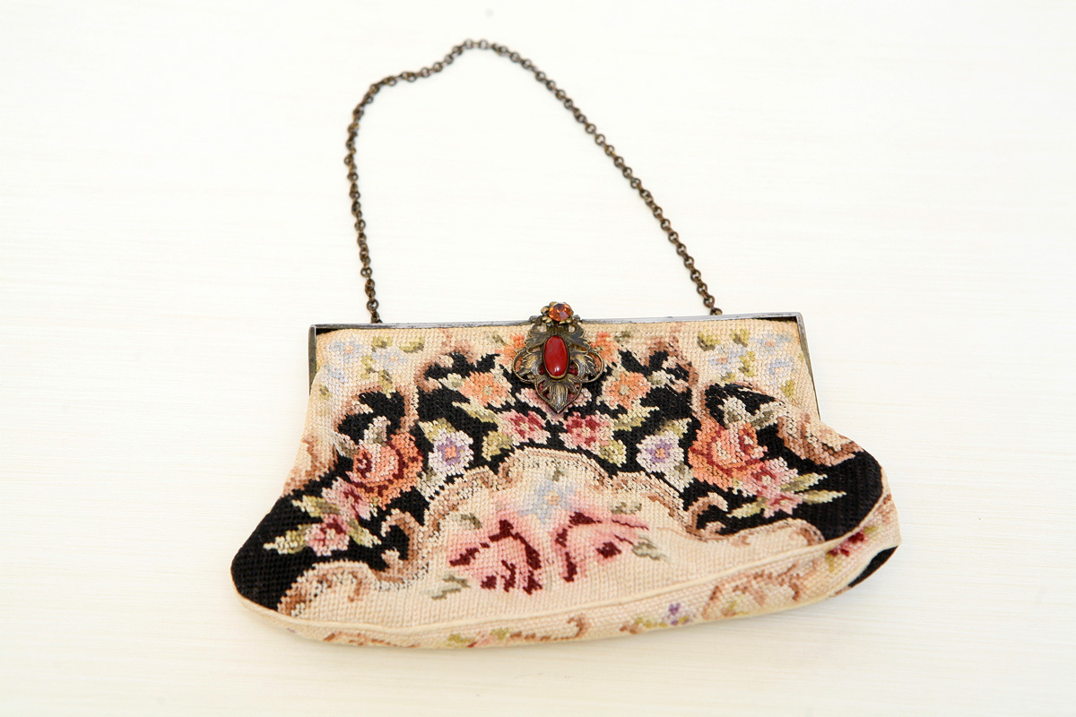 Stunningly beautiful embroidered antique handbag with exquisite gold clasp