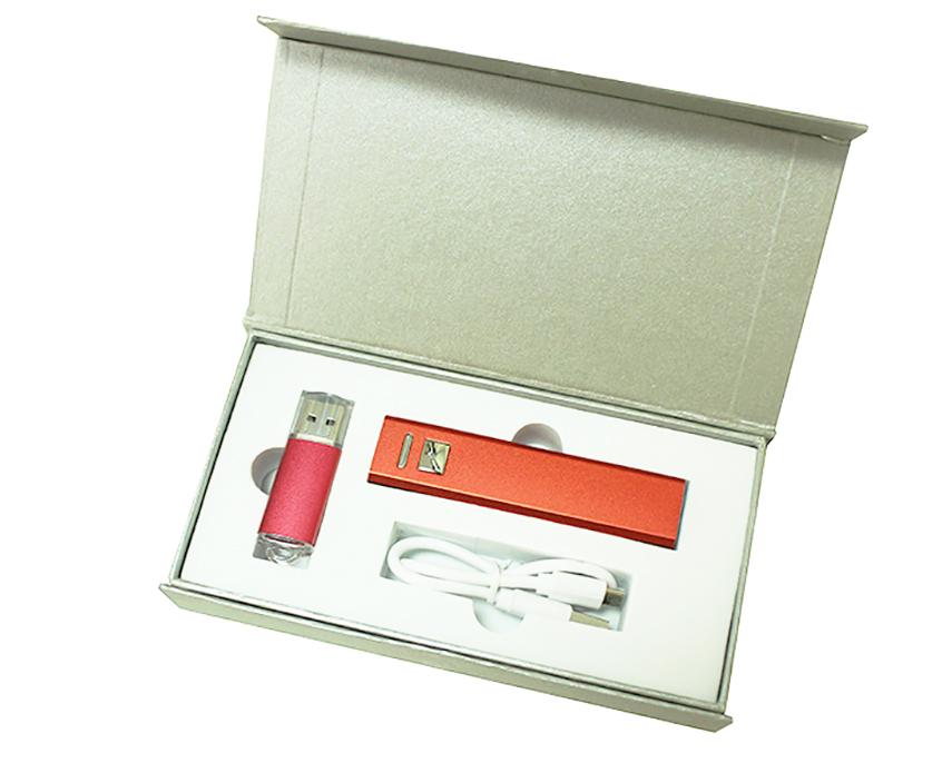 Подарочный набор + внешний аккумулятор + флешка 8-32 Гб красный
