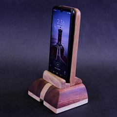 Подставка для телефона или планшета Щит