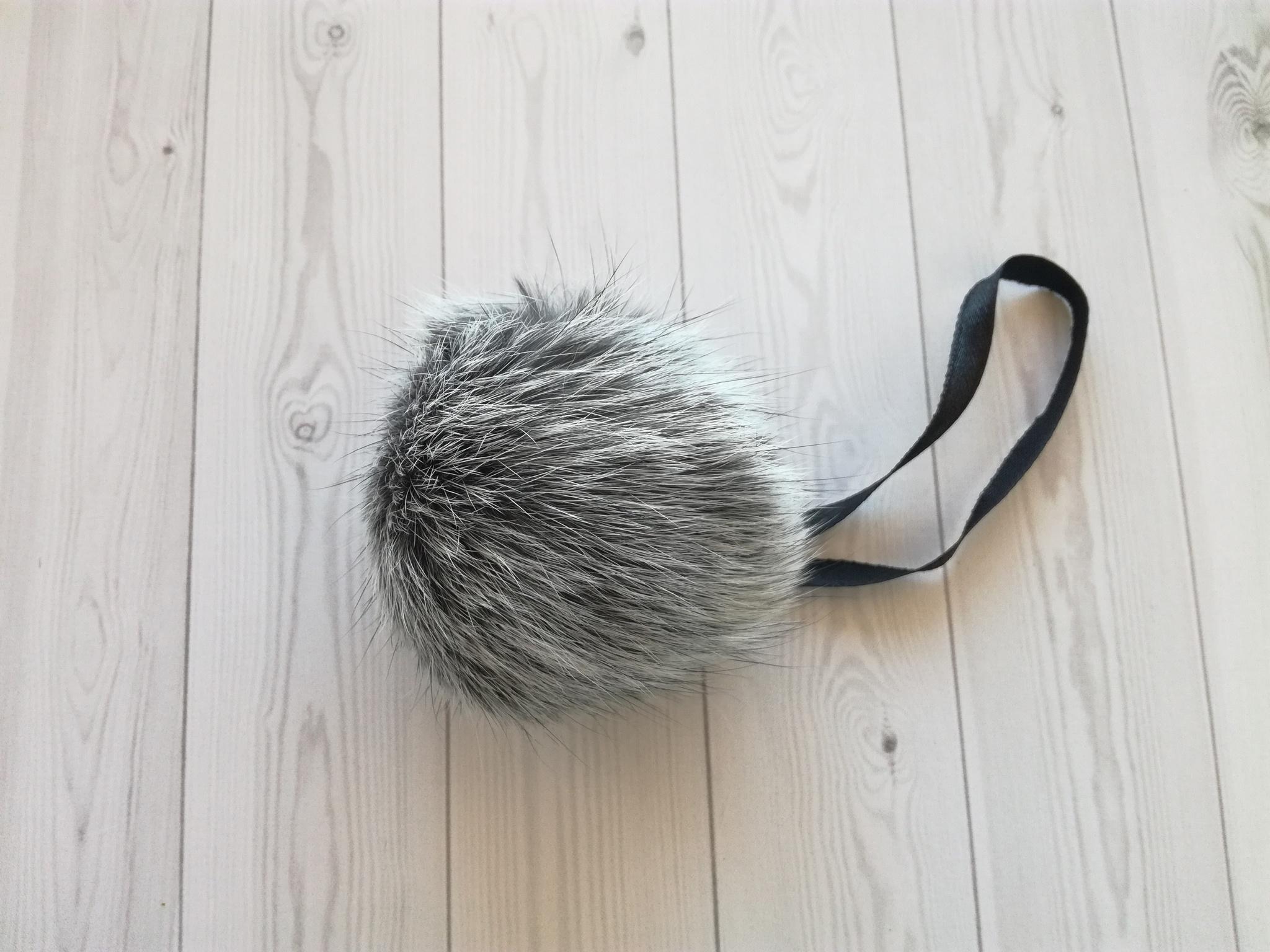 Помпон натуральный кролик серый меланж 7-10 см