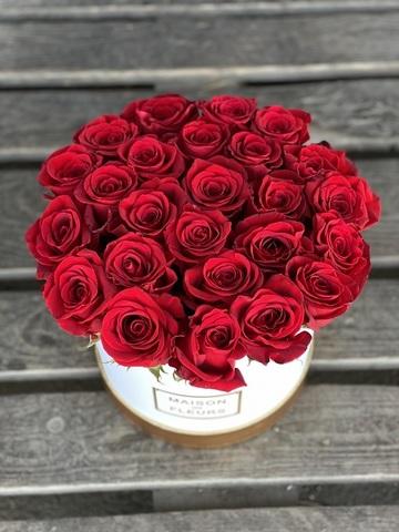 Коробка 25 красных роз