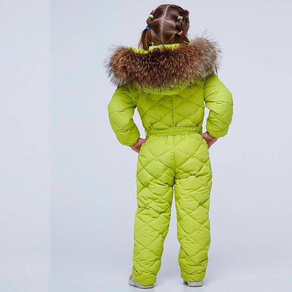Дитячий підлітковий зимовий комбінезон салатового кольору і опушкою з натурального хутра
