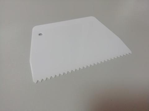Шпатель пластиковый фигурный