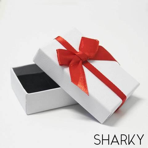 Подарочная белая коробочка с красным бантом / Подарочная упаковка Отрадное