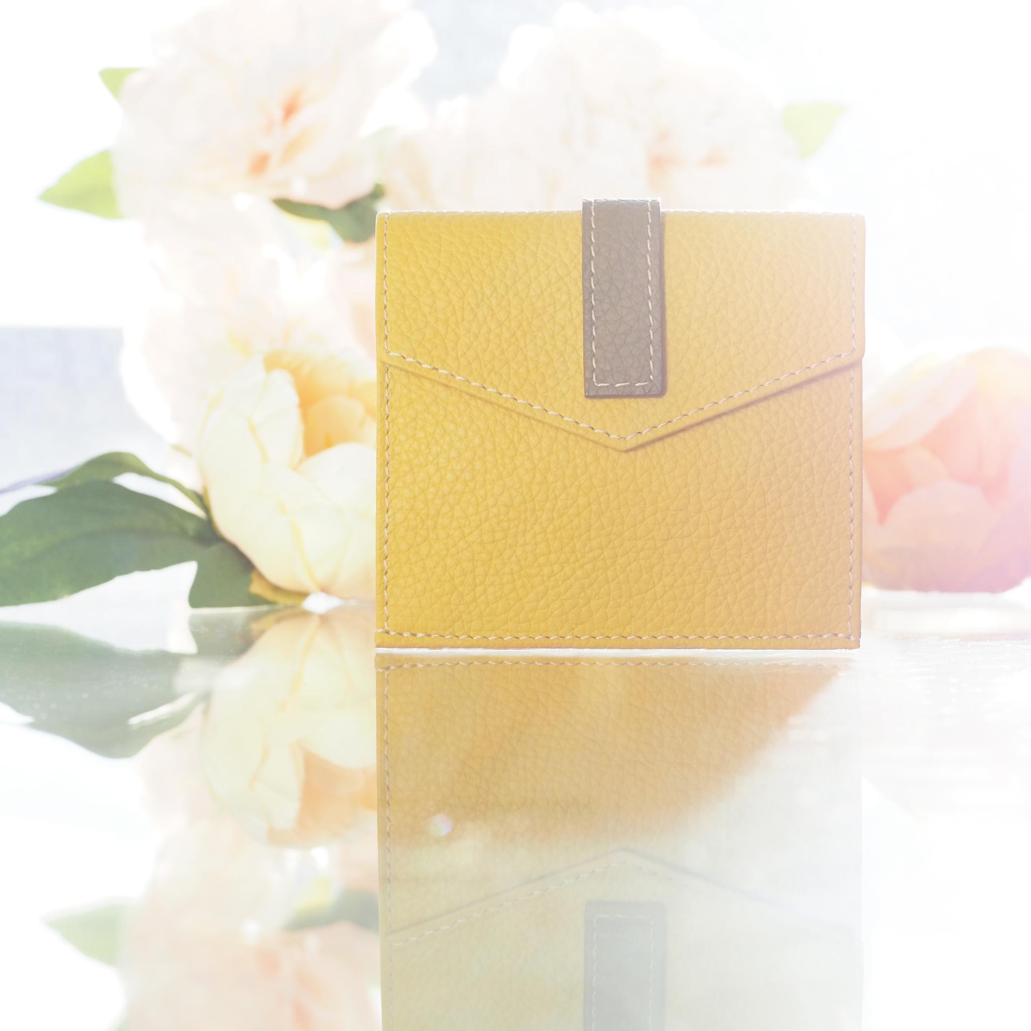 Картхолдер-кошелек Perle Bicolor из натуральной кожи теленка, желтого цвета