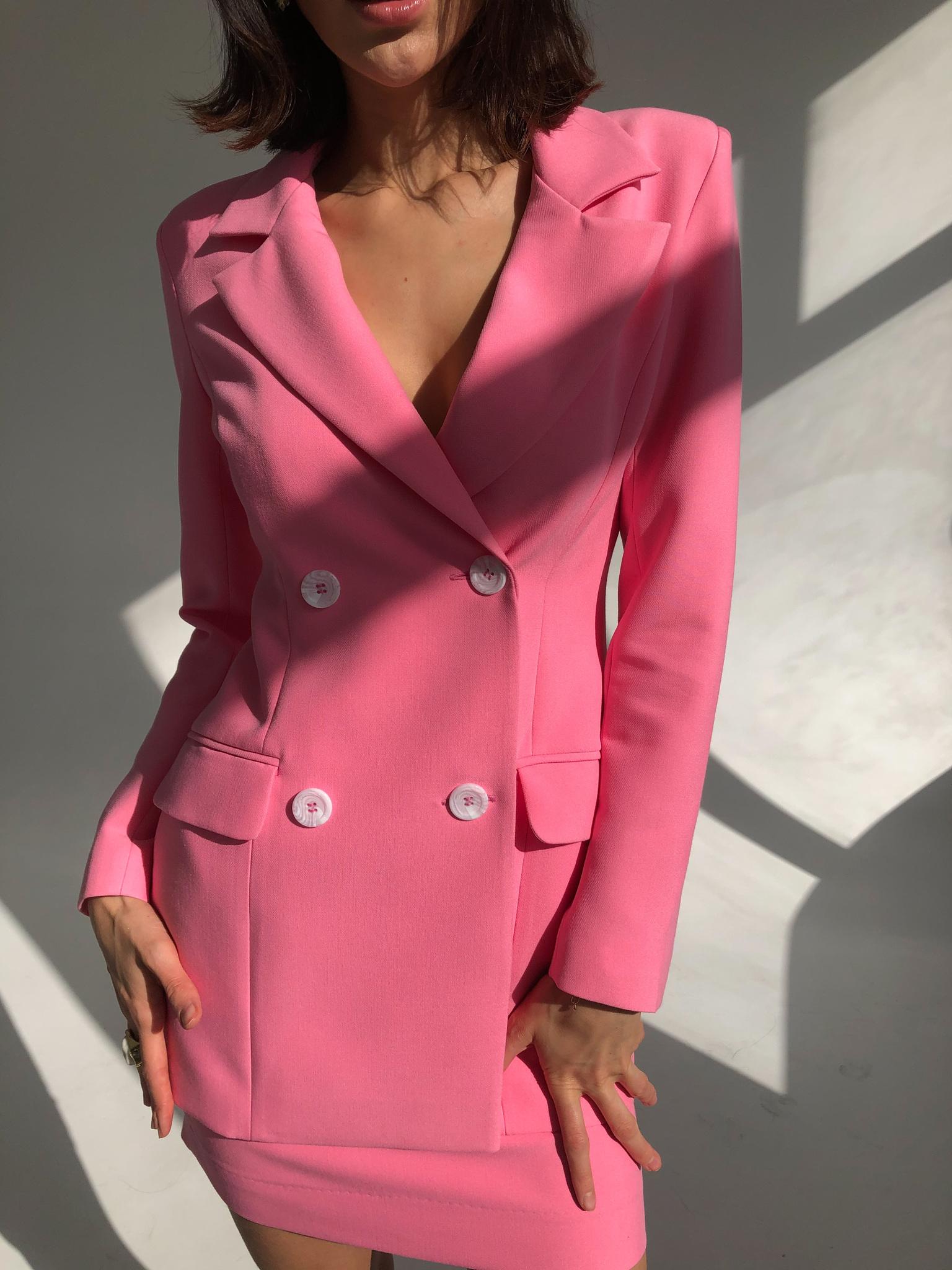 Пиджак приталенный (ярко-розовый)