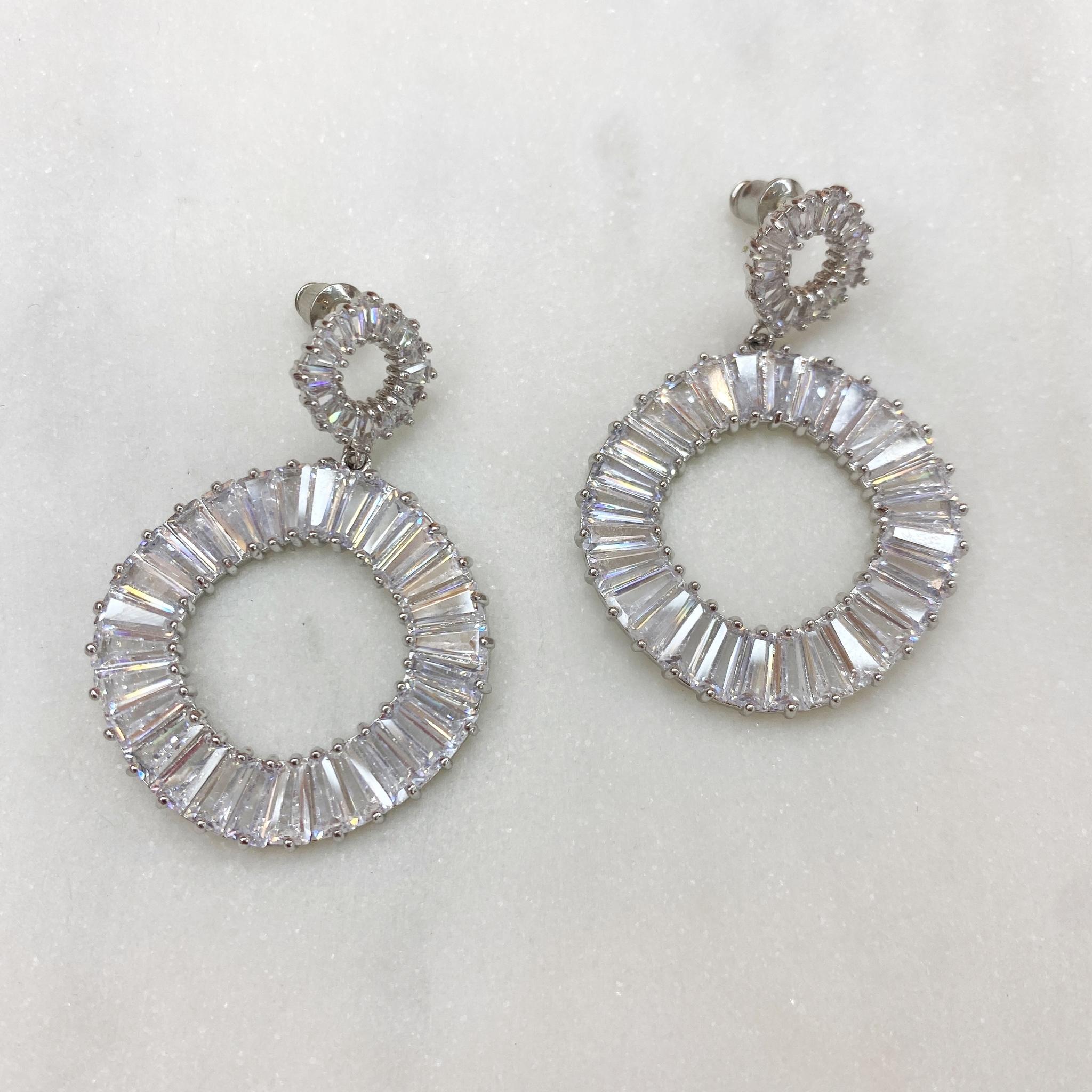 Серьги Циркон Подвесные кольца с багетными цирконами