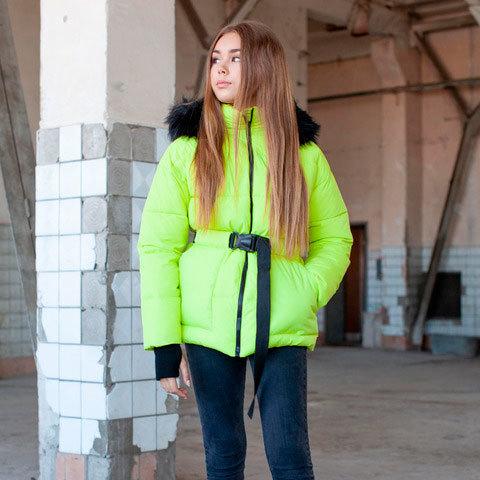 Підліткова зимова куртка салатового кольору на дівчинку