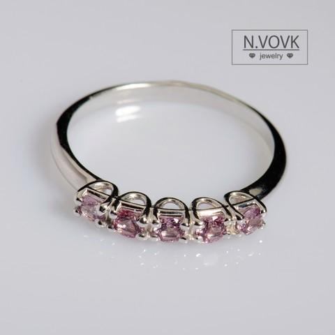 Золотое кольцо с благородной розовой шпинелью