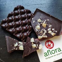 Шоколад на меду с макадамией / 65 гр